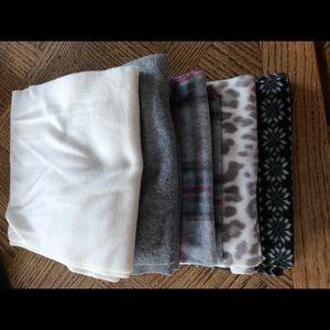 Set/ 5 New Old Navy Infinity Polar Fleece Scarves
